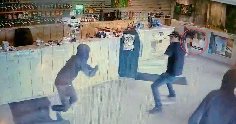 Pracownik sklepu z marihuaną w Kanadzie przepędził złodziei używając szklanego bonga